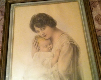 1920's Portrait photo of mother and baby