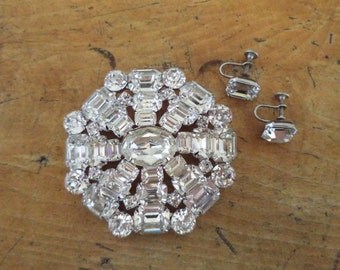 Large Signed WEISS Crystal Brooch and Earrings Set Clear Rhinestones Silver Tone Setting Bride Prom Special Occasion