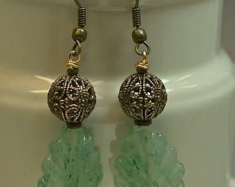 Vintage Green Aventurine Carved Leaf Bead Dangle Drop Earrings,Vintage Antiqued Ornate Brass Bead