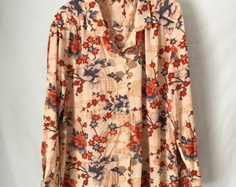 Chinoiserie print Vintage ladies polyester blouse extra large XXL 2X XL peach with floral print