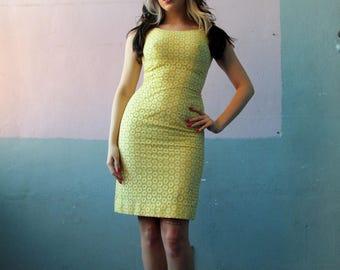 Vtg 50s Eyelet Bombshell Dress / Party Dress / Wiggle Dress