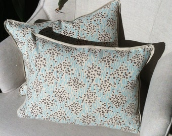 """Pair of petite China Seas pillows with linen backing and flange - 16"""" x 12"""""""