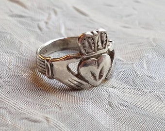 Vintage Hand Made Sterling Silver Claddagh Ring Band or Wedding Band 1980s Accessory Love Friendship and Loyalty Irish Size 5.25