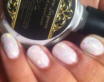 Hebe – Pastel Glitter Nail Polish