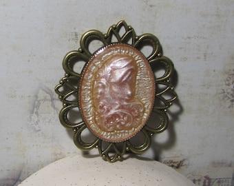 Pendant girl arabesques, Gothic Locket on bronze decor hologram effect resin metal frame