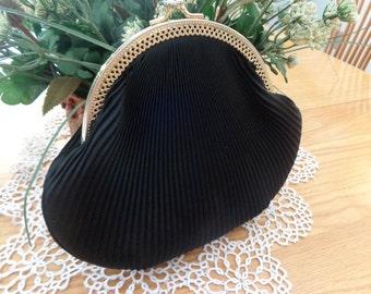 Vintage black pleated bag