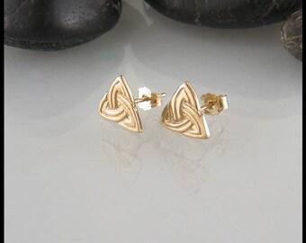 Celtic Trinity Knot Post Earrings in 14K Yellow Gold