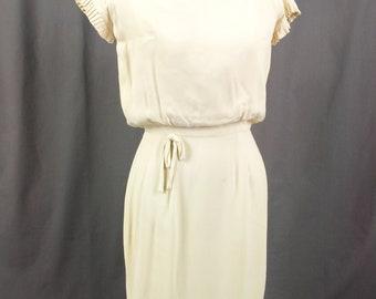 1960s Wiggle Dress, Rayon Dress, 60s Dress, Mod Dress, Spring Dress, Summer Dress, Mad Men Dress
