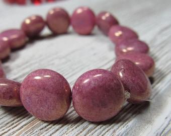 Verre tchèque perles 10mm Opaque soufflé pièce lisse rose moucheté d'or perles - 15 Pcs.