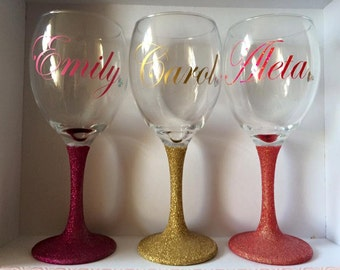 Personalised Glitter Glass. Made to order. Any Colour. Sophisticated Party, Dinner Party, Birthday Gift for Her. Sparkly Wine Glass.