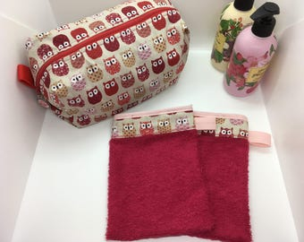 Kit toiletry bag and coordinated Washcloths
