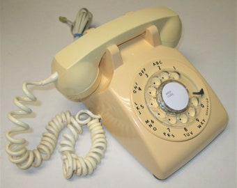 Retro ITT Model 500 Beige Rotary Dial Telephone Dated May 1979