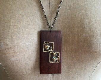 Vintage 1970s Cat and Mouse Game Wooden Pendant Necklace 70s