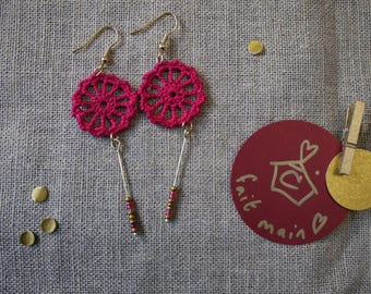 Earrings with micro crochet dark pink and gold details