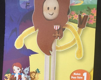 Darice The Wizard of Oz Cowardly Lion Clothespin Doll Kit