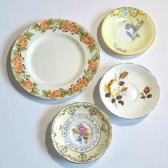 Antiguos platos decorativos de pared en tonos de amarillo - Platos decorativos pared ...