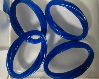 Acrylic Royal Blue Twisted Oval Closed Ring. Acrylic Component, Royal Blue Component, 31mx21mm. Listing is for 4 Oval Rings