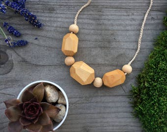Wood bead Necklace Nursing Necklace Breastfeeding  Bead Teething necklace Mom Necklace Natural Teething Baby shower Gift for new mom
