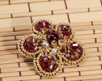 Brooch made of beads. Brooch flower. Брошь из бисера. Брошь цветок.