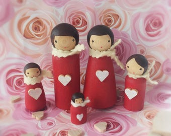 Heart family Peg dolls, Waldorf dolls, Montessori toy, eco friendly, open ended play, nature table