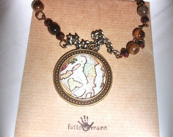 Necklace The traveler with the map of Italy