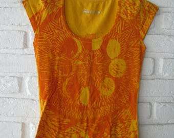 Women T-shirt size M, woodblock printed