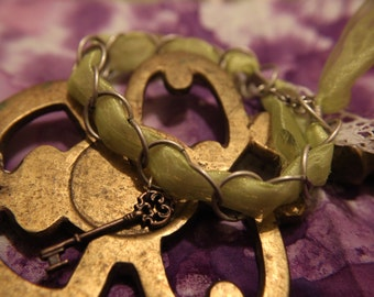 Green Lace and Chain Key Charm Bracelet
