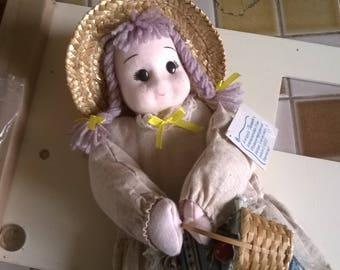 534) doll Provencal storage