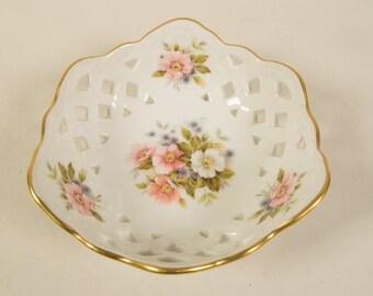 Small porcelain bowl Weimar Porzellan, Germany, 1980s