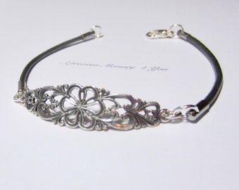 Cuff Bracelet Custom Leather Bracelet Antique Pewter Bracelet Personalized Casual Silver Bracelet Gift for Her Girlfriend Gift Birthday (AF)
