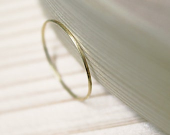 18k solid yellow gold very thin Flat Ring