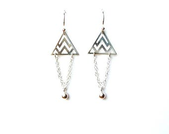 """""""Triangles, chains and pearls"""" earrings in 925 Silver"""