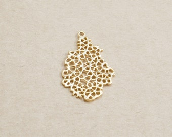 Dried Leaf Pendant, Leaf Charm,  Jewelry Craft Supplies, Mesh Leaf Pendant, Matte Gold Plated over Brass - 2 Pieces-[AP0145]-PG