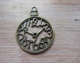 Clearance * 2 clock, bronze, hollow pendants