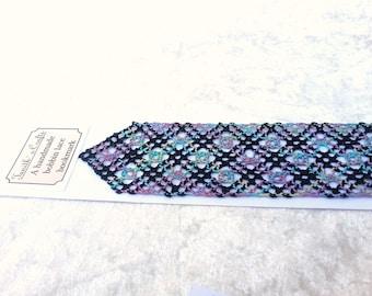 Bookmark, hand made in bobbin lace