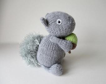 Finsbury Squirrel toy knitting patterns