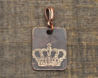 Etched rectangular crown pendant, small flat rectangular copper queen jewelry, 25mm