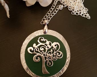 Tree-of-Life Necklace Green
