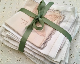 Vintage Linen Napkins - Damask Linen Cotton Napkins - Set of 30 - 11 to 16 Inch - Entertaining Lot -Holiday - Collection Linen - Wedding