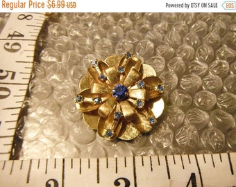 Surprise Sale Regal Golden Flower with Brilliant Blue Rhinestone Accents   {F}