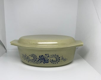 Pyrex Homestead Casserole with Lid