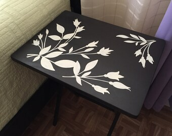 Gift for Mom, TV Tray Table, Wood Folding TV Tray, Custom Folding Coffee Table, Flower Designed table, New house gift.