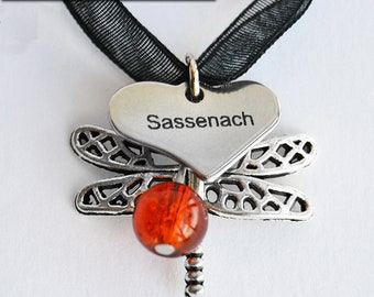 Sassenach Tag + Dragonfly + Amber Bead Charm Pendant Necklace - Claire Fraser Jewelry - Outlander inspired