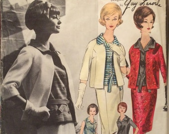 Very Jackie---Vogue Paris Original Suit and Blouse Pattern 1073 by Laroche with LABEL