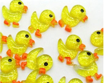 5 x cabochon resin - little yellow ducks