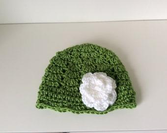 baby beanie hat, girls beanie, crochet beanie hat, shell stitch beanie with flower, green baby hat