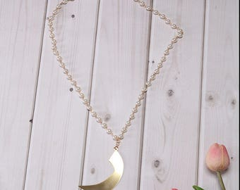 Arabic Letter Pearl Necklace ( Letter Rah in English R )