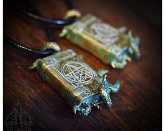 Necronomicon pendant tentacles book verdigris patina bronze R'lyeh edition