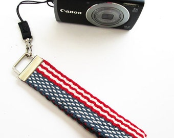 Handwoven Key Chain/Fob, US Flag Pattern, Great for Small Cameras, Luggage ID, Car Keys