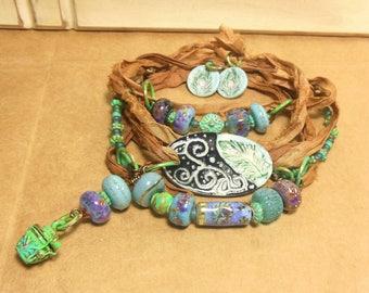 Quinlan Glass Handmade Peacock Gypsy Sari Wrap Bracelet